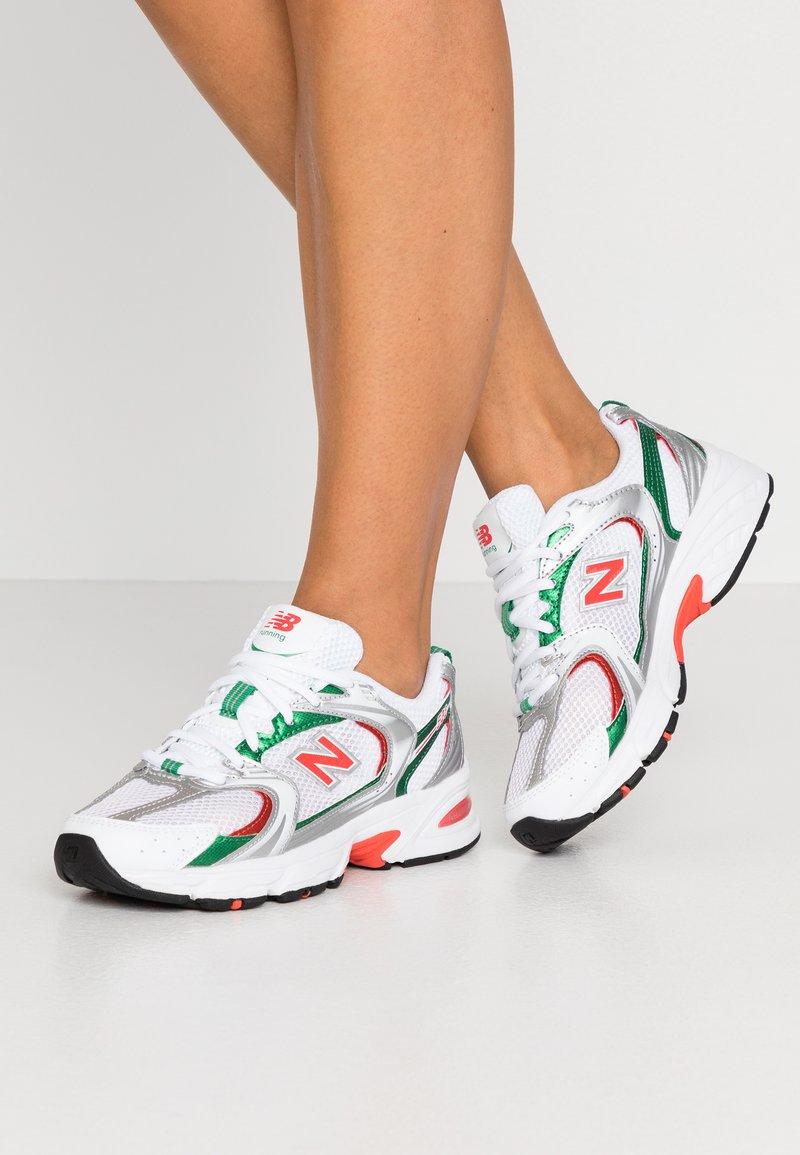 New Balance - MR530 - Trainers - white/green/orange