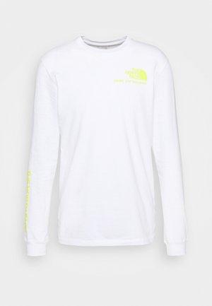 BASE FALL GRAPHIC TEE - Top sdlouhým rukávem - white