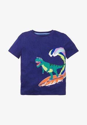 MIT DINOSAURIERAPPLIKATION - Print T-shirt - indigoblau, t-rex