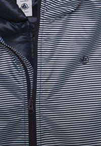 Petit Bateau - LOMENIE COUPE VENT 2 EN 1 - Light jacket - smoking - 3