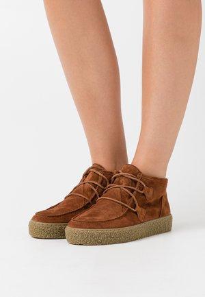 Boots à talons - cognac
