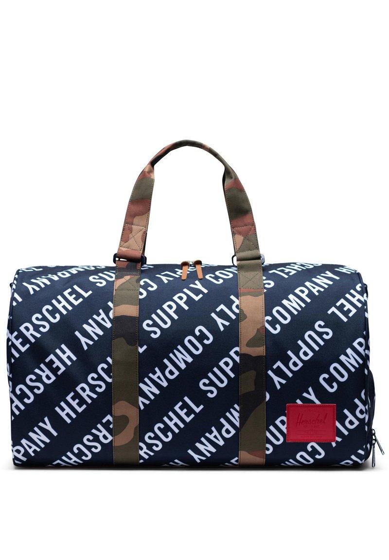 Herschel - NOVEL DUFFEL TASCHE - Sports bag - roll cast peacoat / woodland camo