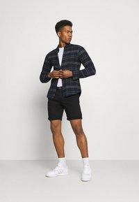 Jack & Jones - JJIDAVE 2 PACK - Shorts - black - 0