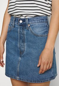 Levi's® - RIBCAGE SKIRT - Denim skirt - blue denim - 4