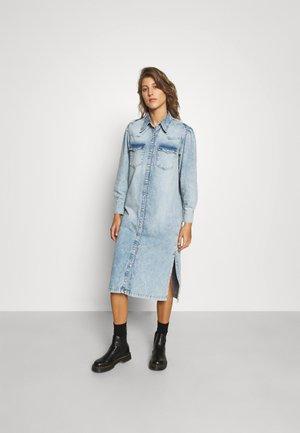 KIKI DRESS - Spijkerjurk - light indigo