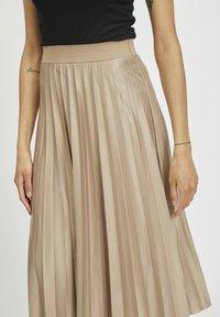Vila - Pleated skirt - sandshell - 3