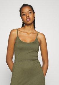 Even&Odd - Basic Strappy Maxikleid - Maxi dress - khaki - 4