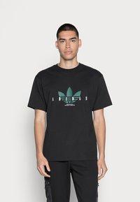 adidas Originals - TREFOIL SCRIPT - Print T-shirt - black - 0