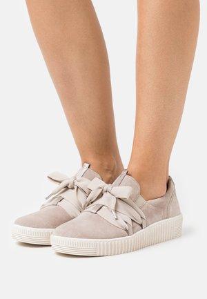 Zapatillas - muschel/beige