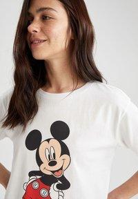 DeFacto - DISNEY - Print T-shirt - white - 4