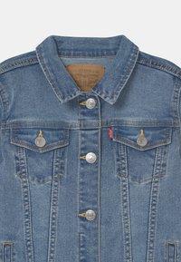 Levi's® - TRUCKER  - Veste en jean - blue denim - 2