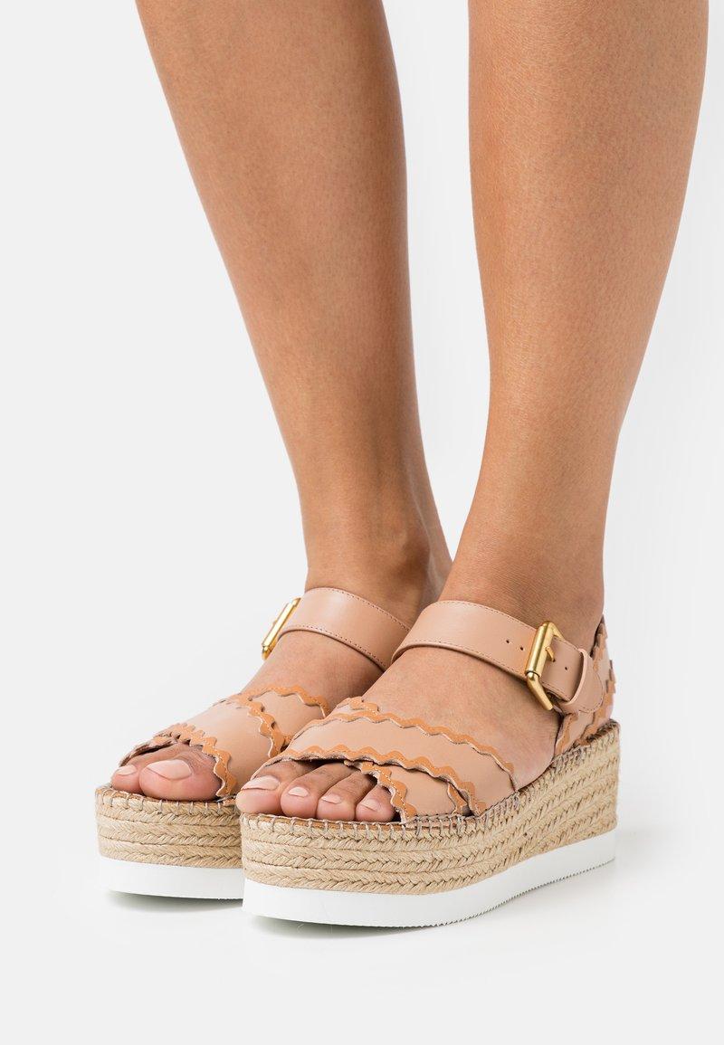 See by Chloé - GLYN - Sandály na platformě - nude