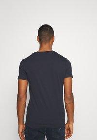 Replay - 2 PACK - T-shirt basic - navy/navy - 3