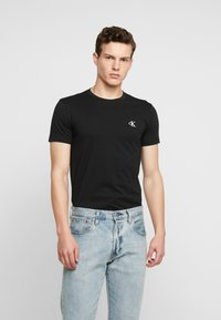 Calvin Klein Jeans - ESSENTIAL SLIM TEE - T-shirt basic - black - 0