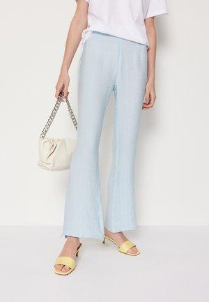 BILLIE PANTS - Pantaloni - light blue