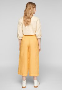 s.Oliver - Trousers - sunset yellow melange - 2