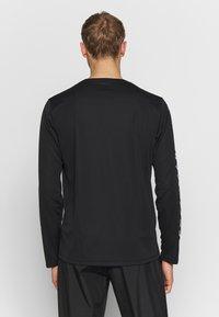 ASICS - KATAKANA - T-shirt de sport - performance black - 2