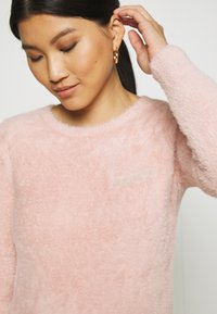 Guess - CANDACE  - Svetr - pretty in pink - 3