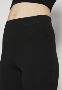 Weekday - MAURICE BIKER - Shorts - black - 5