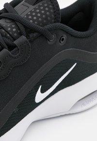 Nike Performance - AIR MAX VOLLEY - Zapatillas de tenis para todas las superficies - black/white - 5