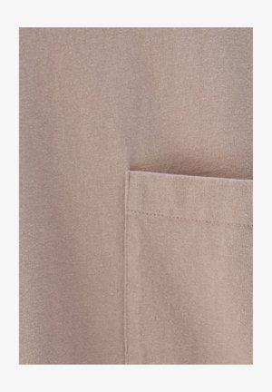 OVERSIZE AUS PREMIUM-GEWEBE - Jednoduché triko - pink