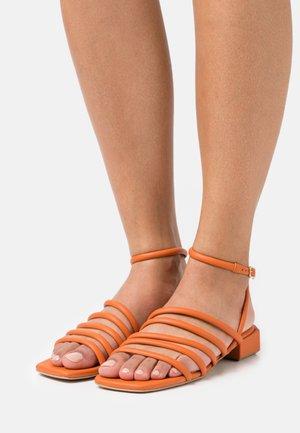 Sandals - arancio