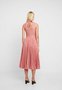 Closet - PLEATED DRESS - Day dress - rose - 2