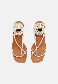 ÁNGEL ALARCÓN - T-bar sandals - nacre - 4
