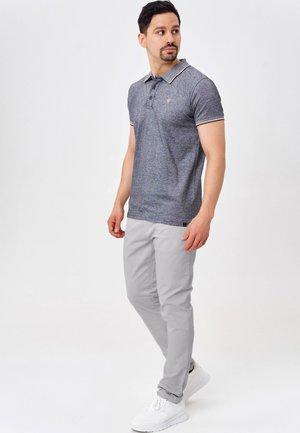 CHERRY - Chinos - light grey