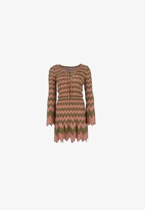 Jumper dress - rosé gold