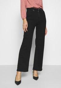 Neuw - MAGAZINE ALINE - Flared Jeans - black denim - 0