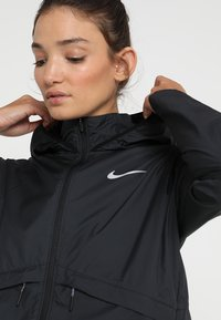 Nike Performance - Laufjacke - black/silver - 3