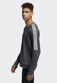 adidas Performance - OWN THE RUN 3-STRIPES CREW SWEATSHIRT - Fleece jumper - grey - 3