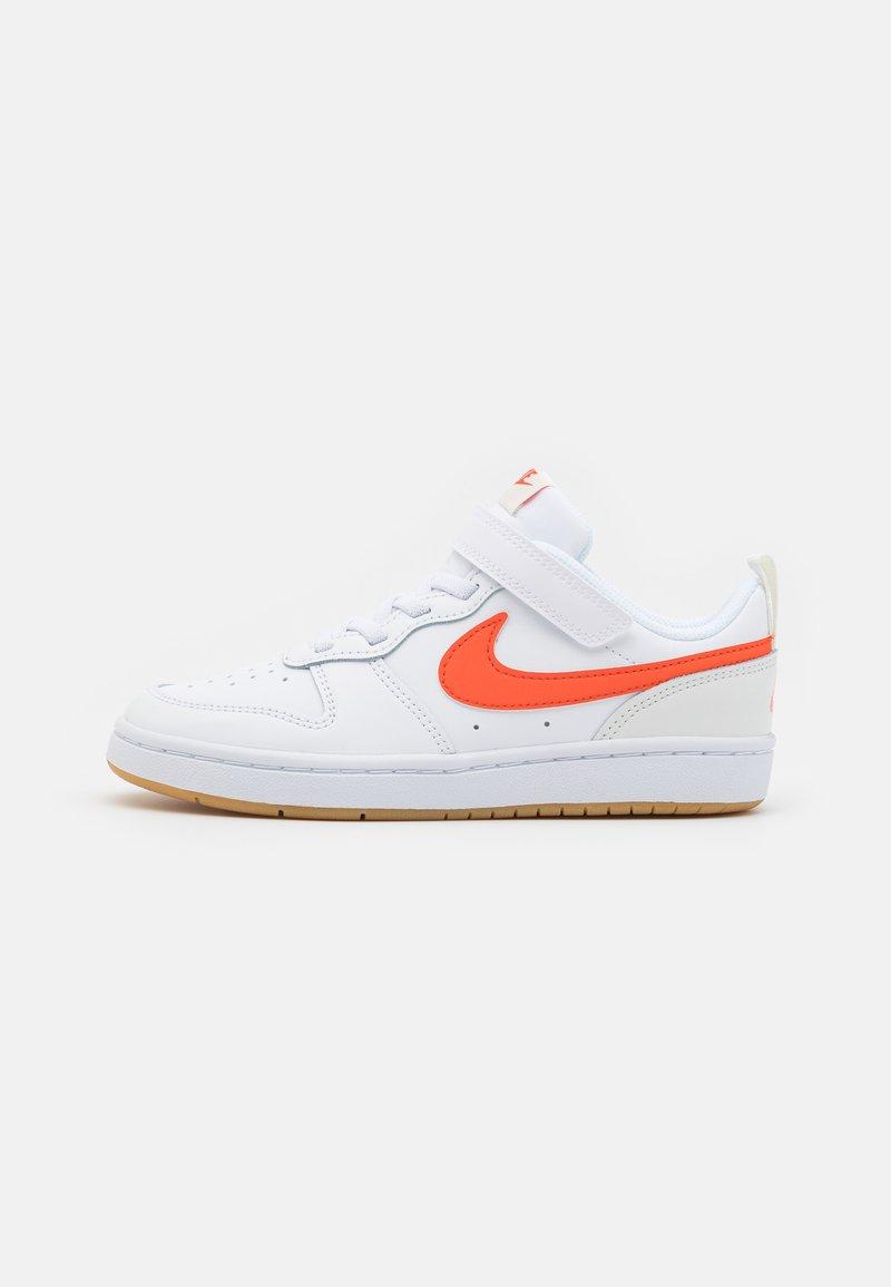 Nike Sportswear - COURT BOROUGH 2 UNISEX - Baskets basses - white/summit white/sail/orange
