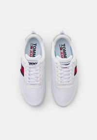 Tommy Jeans - TECHNICAL  - Joggesko - white - 5