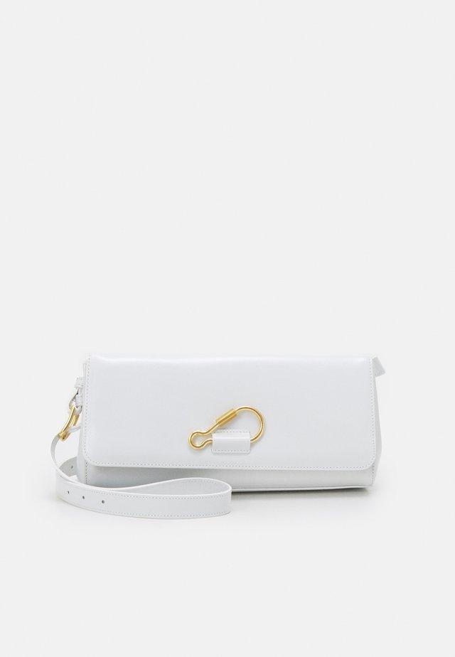HOOK BAGUETTE - Handbag - white