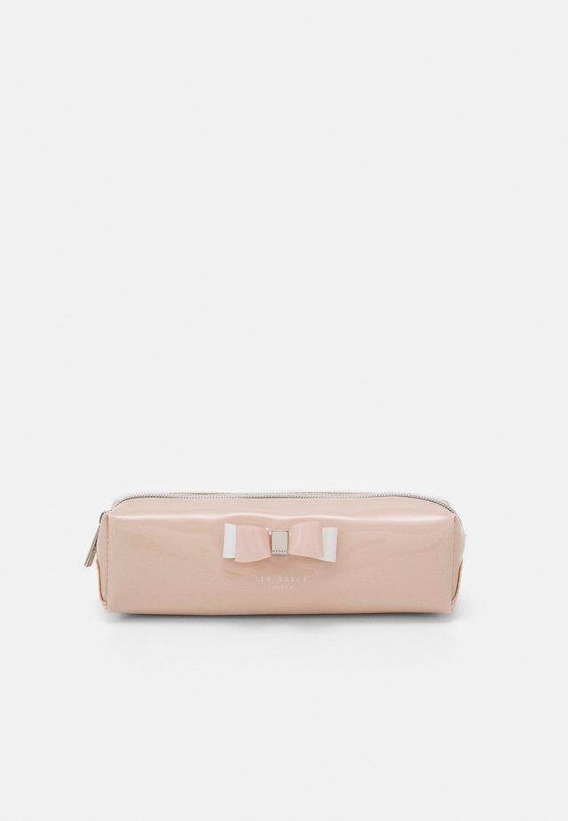 HOLLEEY BOW BRUSH CASE - Trousse - dusky pink