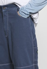 Kickers Classics - DRILL TROUSERS WITH TOPSTITCH - Tygbyxor - navy - 3