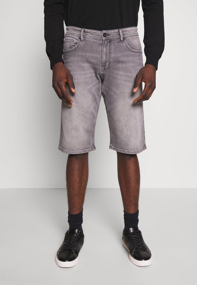 Esprit - Denim shorts - grey light wash