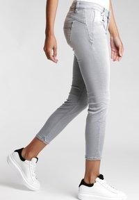 Gang - NELE - Jeans Skinny Fit - grey genoa - 2