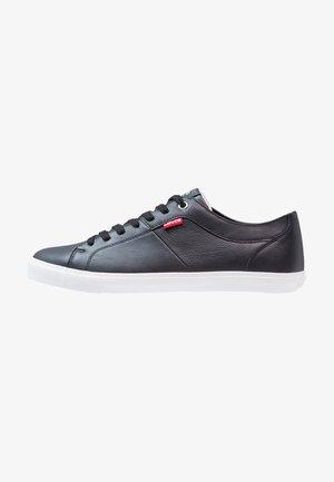 WOODS - Sneakers laag - regular black