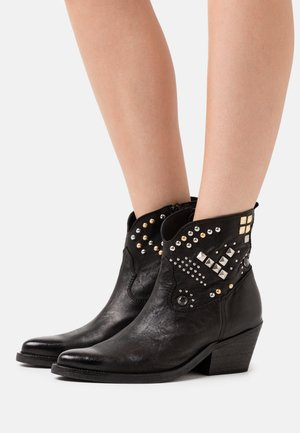 PEAK KLEIN - Cowboy/biker ankle boot - black