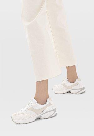 KOMBINIERTER - Sneakersy niskie - white