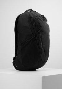 The North Face - VAULT 26,5L - Reppu - black - 3