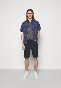 120% Lino - SHORT SLEEVE  - T-shirt basic - iron - 1
