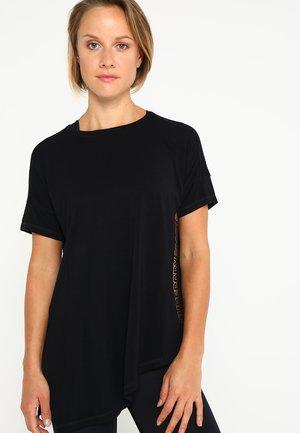 ACTIVE STUDIO TEE - Sports shirt - black