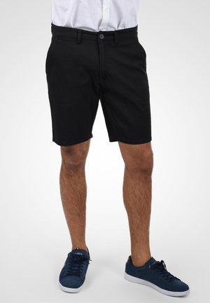 PIERRE - Shorts - black