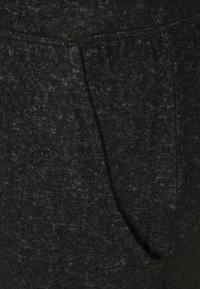 CAPSULE by Simply Be - SOFT TOUCH JOGGER - Tracksuit bottoms - charcoal marl - 5