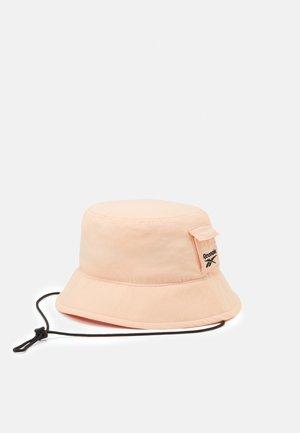RETREAT BUCKET HAT UNISEX - Hat - aurorg