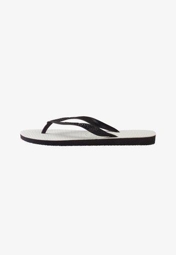 TRADICIONAL - Pool shoes - White, Black